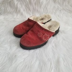 Ugg Indoor/Outdoor Slippers Size 8